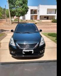 Nissan Versa SL 14/14 - 2014