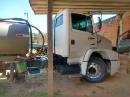 Vende-se caminhão pipa no toco - 2001
