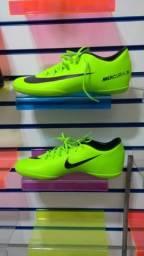 Tenis Futsal Nike Mercurial Victory (N°44)   PROMOÇÃO ae17187968e30