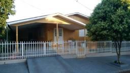 Casa com 4 quartos no centro de Planalto - PR