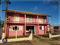 Casa mobiliada a apenas 100 metros do mar no bairro Jardim Ultramar