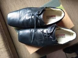 vendo sapato Ferracini super confortável, tamanho 42, pouco usado