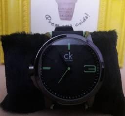 Relógios Smartwatch e analógicos