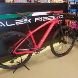 Bicicleta Caloi Elite Carbon Sport