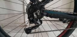 Bicicleta caloi explorer expert 2019 pouco rodada. 3.500 sem clip.