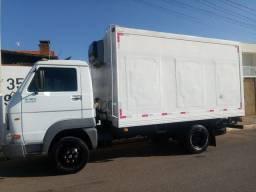 Caminhão wv 8 150