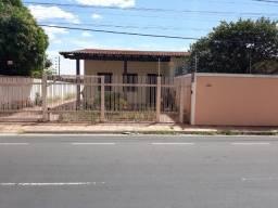 Vendo Casa no bairro Três Poderes