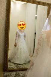 Título do anúncio: Vestido De Noiva Princesa Véu Anágua Usado Somente Uma Vez!