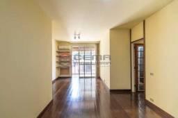 Título do anúncio: Apartamento para alugar com 3 dormitórios em Laranjeiras, Rio de janeiro cod:LAAP34826