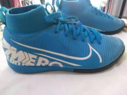 Chuteira Nike mercurial azul