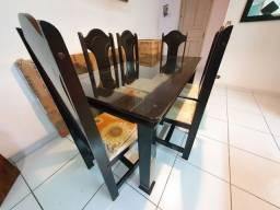 Título do anúncio: Mesa em MDF com 6 cadeiras.