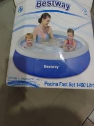 Título do anúncio: Piscina 1.400 litros usada só uma vez