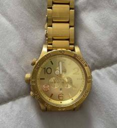 Título do anúncio: Relógio Nixon Gold