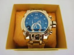 Relógio masculino dourado grande