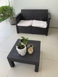 Título do anúncio: Sofa de varanda com mesa de centro