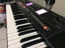 Teclado arranjador Roland EA7