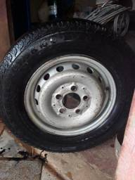 Vende-se Roda com pneu com aro 15 Sprint