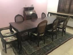 Conjunto de sala de jantar em Jacarandá entalhado seculo XIX