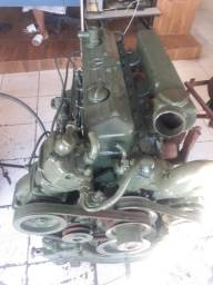 Motor Mercedes 366 turbinado e intercoolado