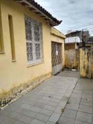 Casa com 02 quartos em Fatima