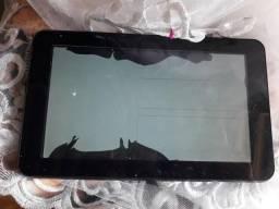 Vendo pra tirar peças tablet cce ele está com a tela queimada mas funciona tudo