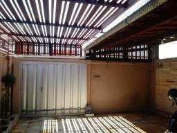 Casa a venda em Messejana