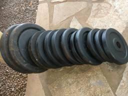 64 kg de anilhas com barra. Aceito troca Zap999024215