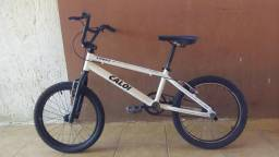 Bicicleta caloi cross vendo ou troco