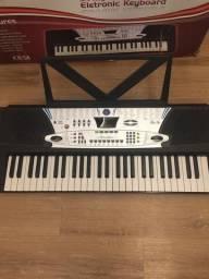 Teclado Eletrônico Keyboard