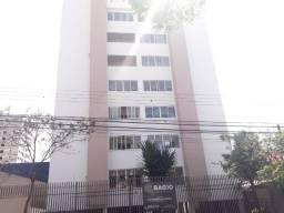 Apartamento localizado no Centro
