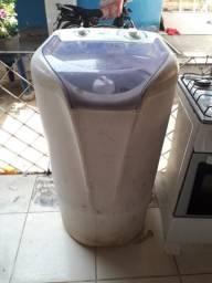 Estou vendendo uma máquina de lavar 7.0kg ela parou do nada só pra retirada de peças