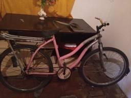 Bicicleta grande com pecas de alumínio