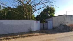 Terreno 24x33 murado com casa em Pacatuba
