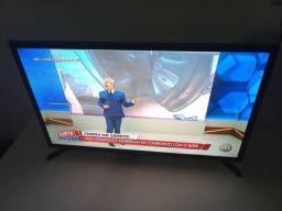 Vendo uma tv smart tv  800 reas  e entrego