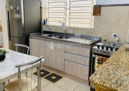 Título do anúncio: Casa à venda com 3 dormitórios em Centro histórico, Porto alegre cod:316077
