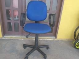 Título do anúncio: Cadeira diretor semi-nova azul