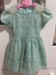 Título do anúncio: Vestido de criança