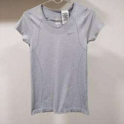Título do anúncio: Camiseta Nike - P(fem.) - Original