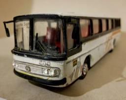 Título do anúncio: Miniatura *ARPRA SUPERMINI* <br>Ônibus  Mercedes, Pronto para  Restaurar.<br>Anos 80.