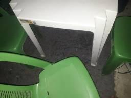 Título do anúncio: jogo de mesa e cadeiras