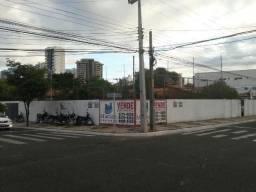 Porto Aluga Um terreno de Esquina na Av. Dom Severino