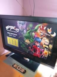 TV 32 LCD Philips Surround TOP pra Game!,2 hdmi,vga,av c/Controle,Oferta!!