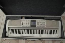 Teclado Yamaha Portable Grang DGX - 305 ( Top )