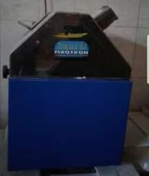 Máquina de cana Maqtron Turbo 722