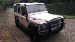 Land Rover Defender 110 - Ano 2003 - 2003