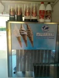 Vendo máquina de sorvete Italianinha com milk Sheik