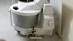 Masseira amassadeira 80 Kg usada