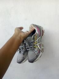 Tênis feminino (academia, corrida)