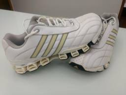 36e22570f1b Tênis Adidas número 38 sem defeito super conservado e confortável
