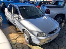 'Corsa Sedan 1.0 LIFE 4P MANUAL Álcool 05/05 Prata'